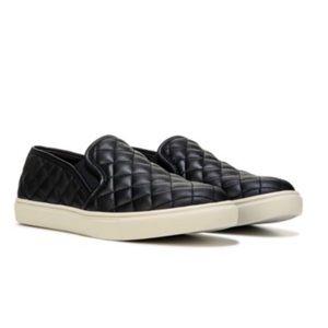ECENTRQ black sneakers